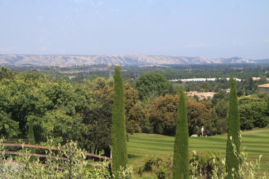 Le golf et les Alpilles