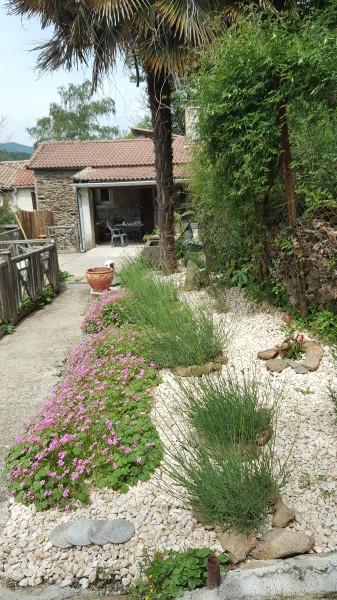 Petit jardin à  l'entrée