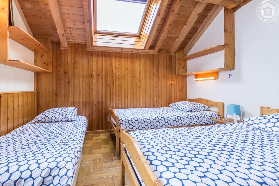 Chambre D 3 lits simples